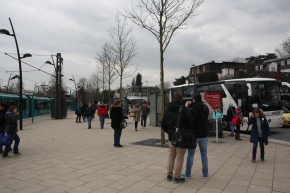Der Oberurseler Bahnhof war der Knotenpunkt für beide Busrouten.
